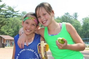 girls-fruit